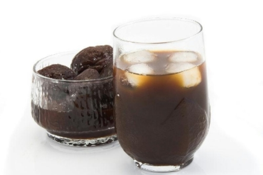 prune juice in a glass